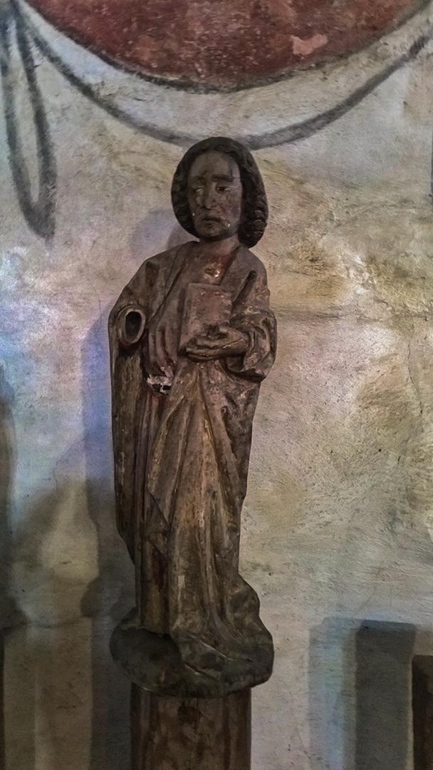 Messukylän omakotiyhdistys Tampere - patsas Messukylän vanhassa kirkossa